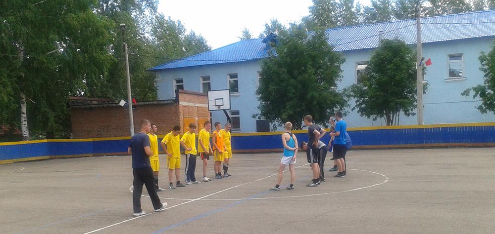 Товарищеский матч по футболу между подгруппами А И Б группы 953
