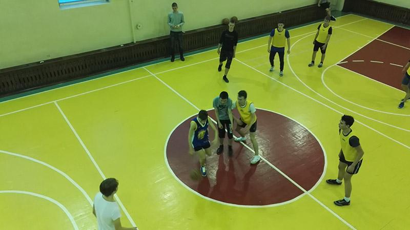 Баскетбольный матч групп 957 и 956